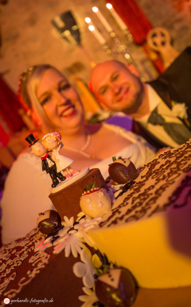 Hochzeitsfotograf Göttingen | Hochzeitstorte | Hochzeitsfotografie