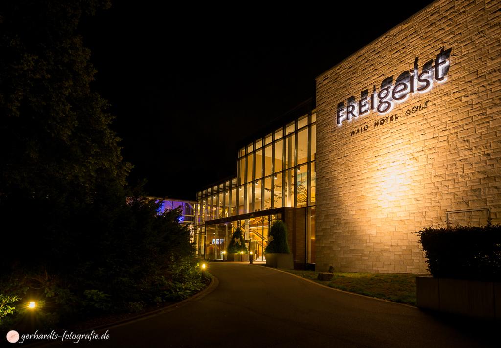 Hotel FREIgeist Northeim Eingangsbereich @ Night