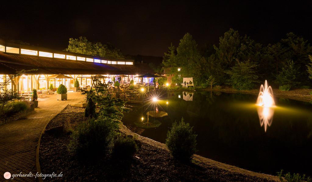 Hochzeitsfotografie Außenbereich Hotel FREIgeist Northeim @ Night