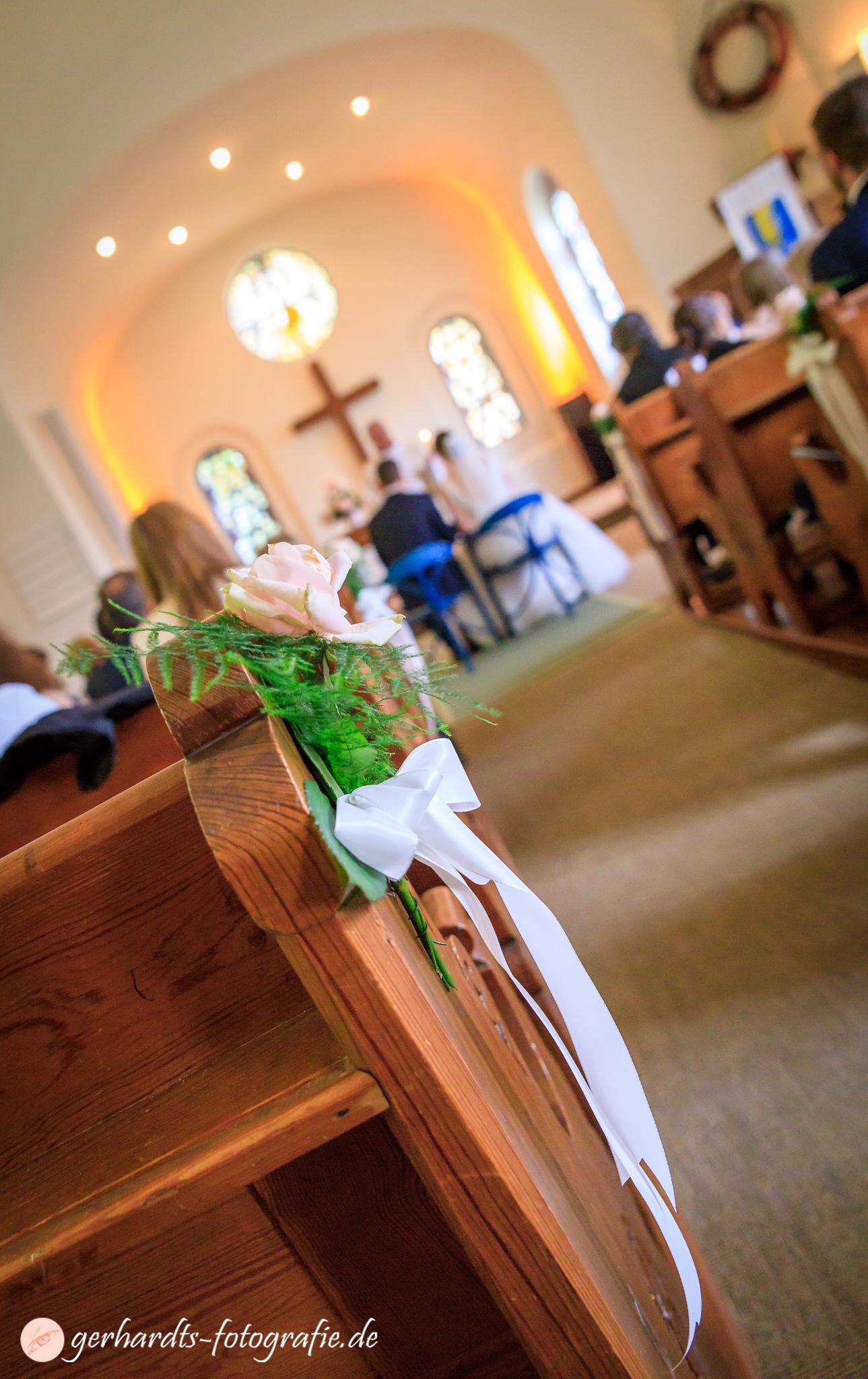 Trauung in der St. Nikolai Kirche Wangerooge - Hochzeitsfotograf Wangerooge